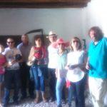 En esta foto se suma al grupo Maria Jesús Fuentes García. Yo estoy al frente, capturando la sonrisa de todos... ¡Qué grandes!