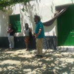 Javier Arnaiz recitando en el Cortijo de Daimuz junto a los rapsodas.